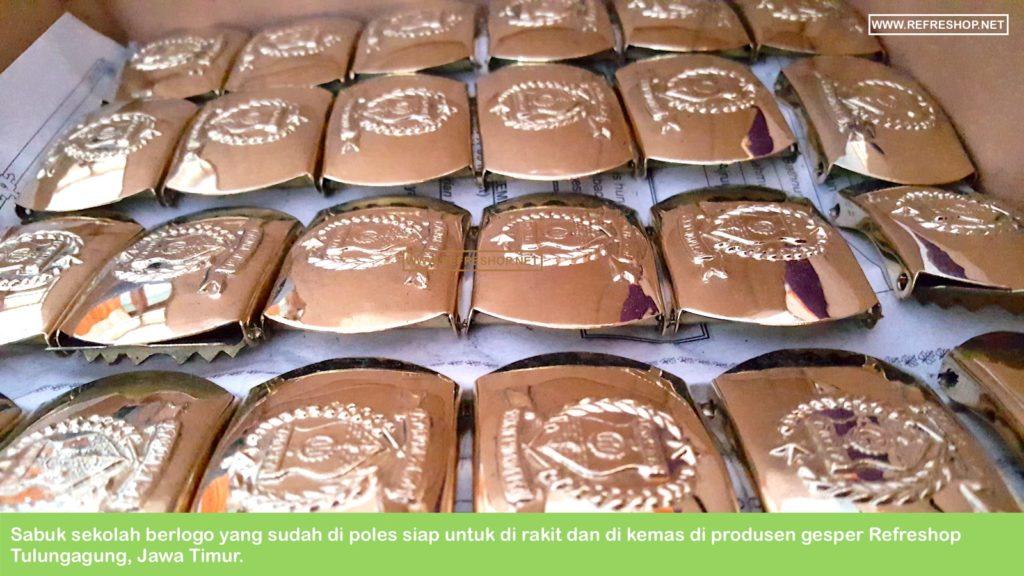 Sabuk Sekolah Sudah Di Poles Siap Di Rakit Dan Di Kemas di Pabrik Produsen Ikat Sabuk Refreshop